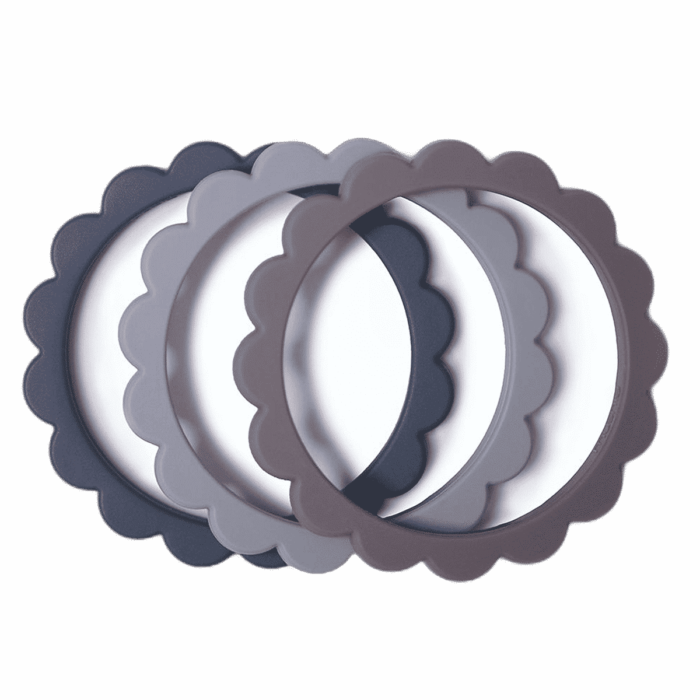Mushie bloem bijtring armband Steel-Dove Gray-Stone